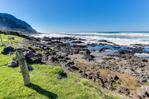 Sea Rock Retreat - Yachats, OR Vacation Rental