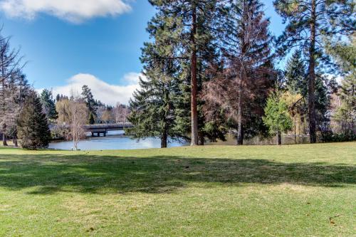 Pioneer Park Condo - Bend Vacation Rental