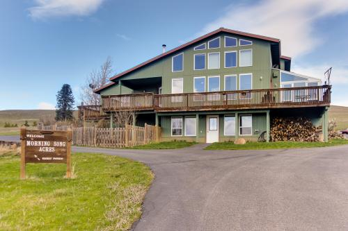 Morning Song Acres - Lyle, WA Vacation Rental