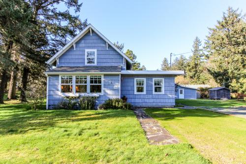 Seventh Street Cottage - Gearhart Vacation Rental