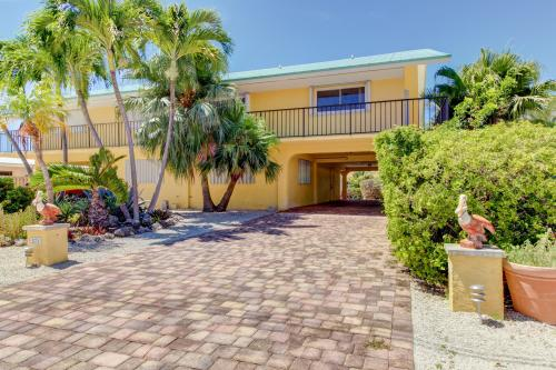 Canal-side Charisma - Key Colony Beach, FL Vacation Rental