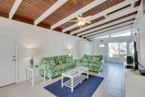 Downhome Cabin by the Canal - Key Colony Beach, FL Vacation Rental