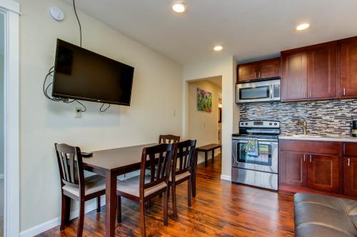Dolphin D-4 -  Vacation Rental - Photo 1
