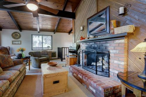 Shiloh House - Idyllwild, CA Vacation Rental