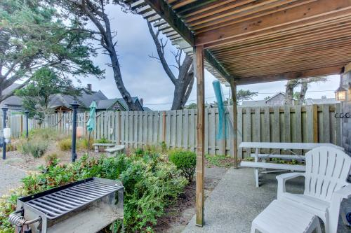 Sandals Inn | Oceanside Cabana - Cannon Beach, OR Vacation Rental