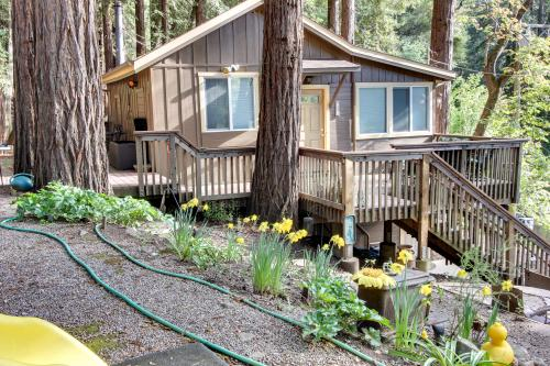 Getaway Cabin -  Vacation Rental - Photo 1