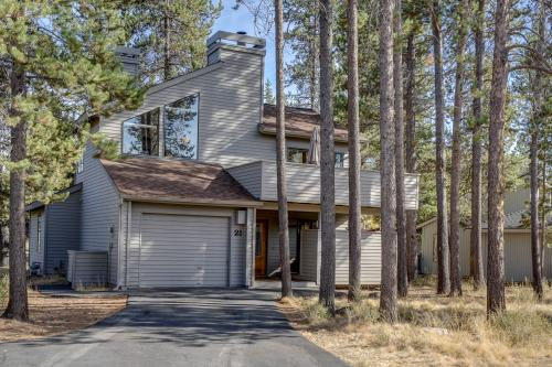 Shagbark Lane 21 | Discover Sunriver -  Vacation Rental - Photo 1