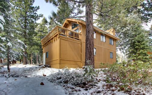 Mountaintop Lounge - Tahoe City Vacation Rental