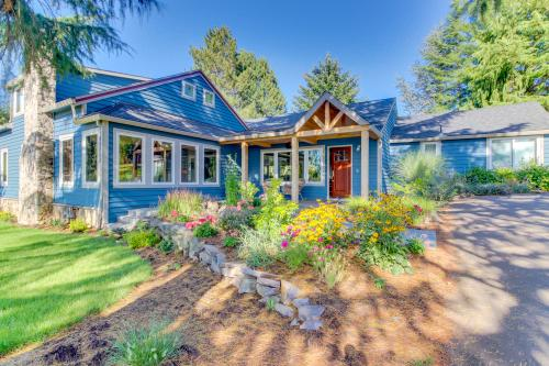 Parrett Mountain Farm House Retreat - Newberg, OR Vacation Rental