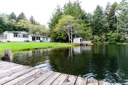 Waters Edge Retreat at Woahink Lake -  Vacation Rental - Photo 1