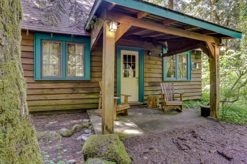Old Smokey Cabin - Rhododendron, OR Vacation Rental