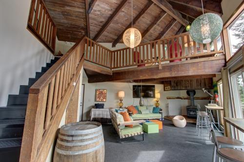 Flying Stag: Upper Chalet -  Vacation Rental - Photo 1