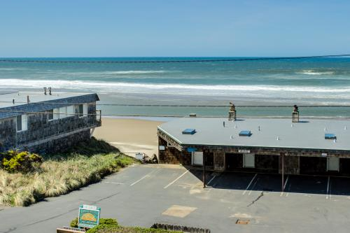 Sea Breeze Condo - Lincoln City, OR Vacation Rental