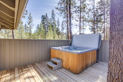 Mt Adams Lane 10 | Discover Sunriver -  Vacation Rental - Photo 1