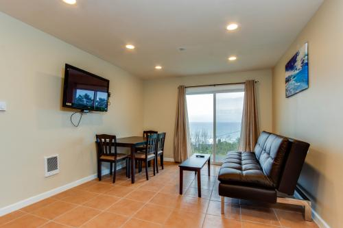 Dolphin D-5 -  Vacation Rental - Photo 1