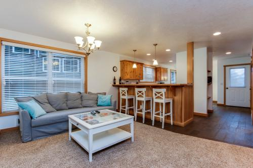 Barefoot Beach House - Pacific City, OR Vacation Rental