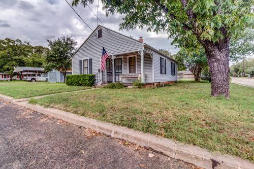 The Peese Haus - Fredericksburg, TX Vacation Rental