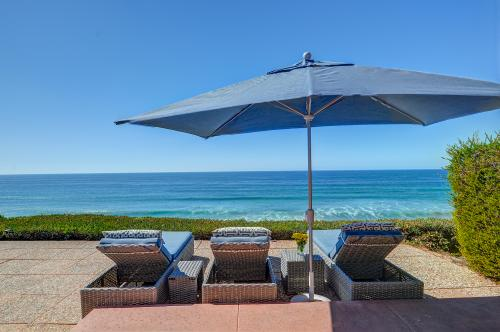 Oceanfront with Private Beach Access and Hot Tub - Encinitas, CA Vacation Rental