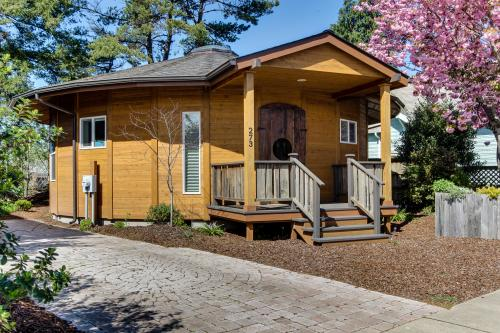 Florence Round House - Florence, OR Vacation Rental
