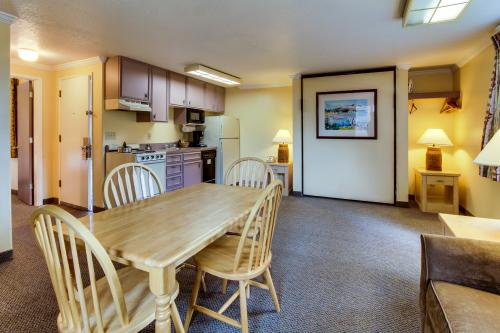 Sandcastle: Serene Studio (#602) - Cannon Beach Vacation Rental