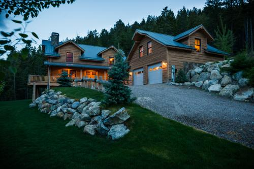 Eagle's Landing Lodge -  Vacation Rental - Photo 1