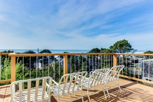 Oceanside Views - Lincoln Beach, OR Vacation Rental