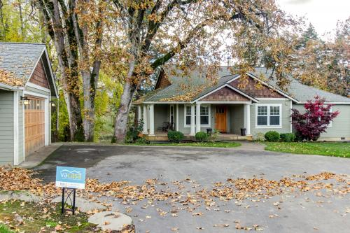 Orchard Valley Estate - Hood River, OR Vacation Rental