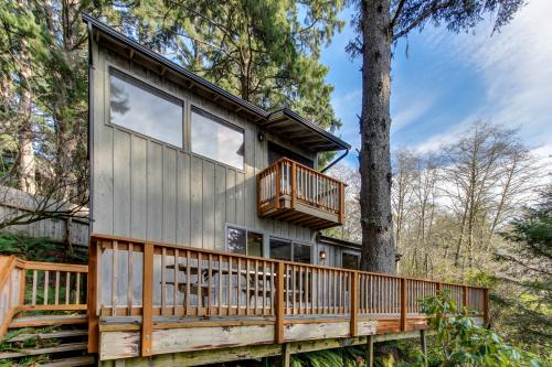 Cascade Head Salmon River Getaway -  Vacation Rental - Photo 1