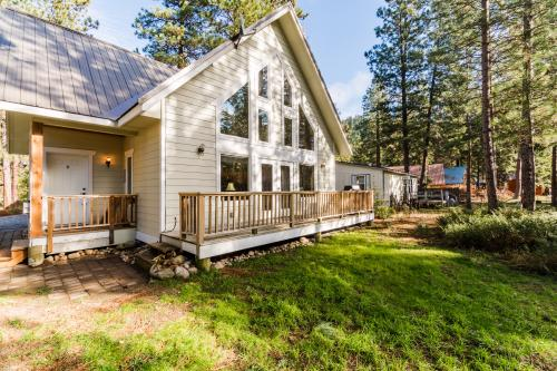 Vacation rentals near icicle junction activities center for Leavenworth cabin rentals