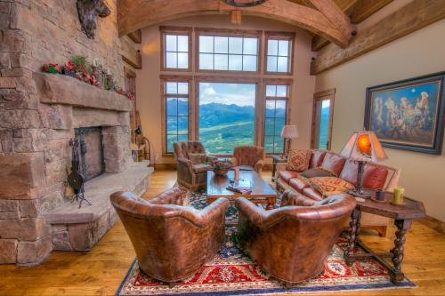 Cowboy Heaven 24 - Big Sky, MT Vacation Rental