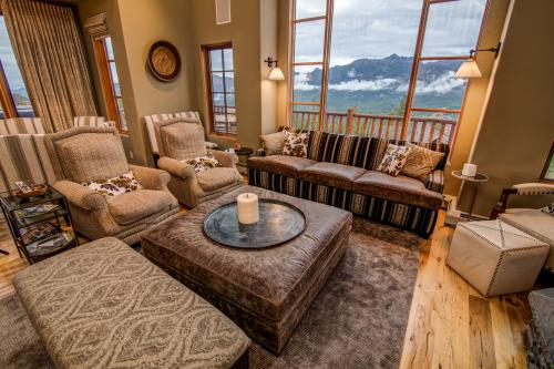 Moonlight Mountain Home 1 - Big Sky, MT Vacation Rental