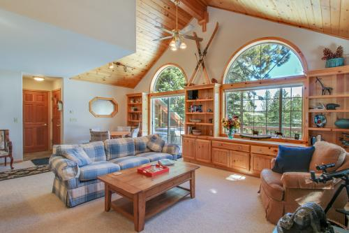 Tahoe Donner Home Base  -  Vacation Rental - Photo 1