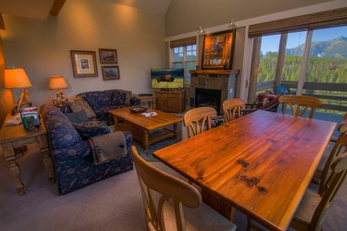 Saddle Ridge Townhome D-1 - Big Sky, MT Vacation Rental