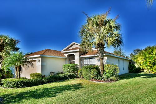 A Stroll On the Greens -  Vacation Rental - Photo 1