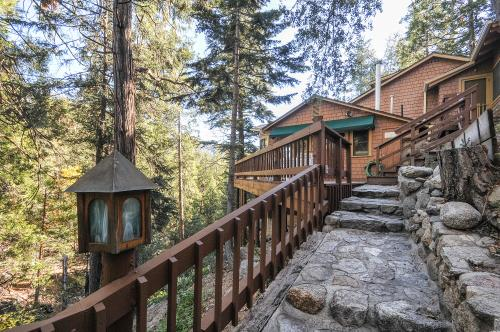 Lily View - Idyllwild, CA Vacation Rental