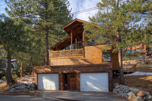 Squaw Lanny Lane Lodge - Squaw Valley Vacation Rental
