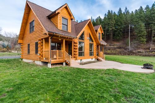 Fox Hollow Lodge -  Vacation Rental - Photo 1