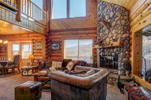for lake studio starting night lodge hidden king at dsd christmas vacation cabins snow rate per mountain fees getaway timberline special no cabin less big only bear