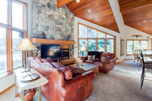 Stonebridge Lodge  -  Vacation Rental - Photo 1