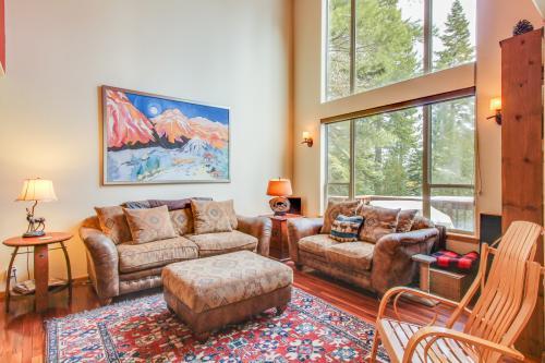 Sunny Pinecone Vista  -  Vacation Rental - Photo 1