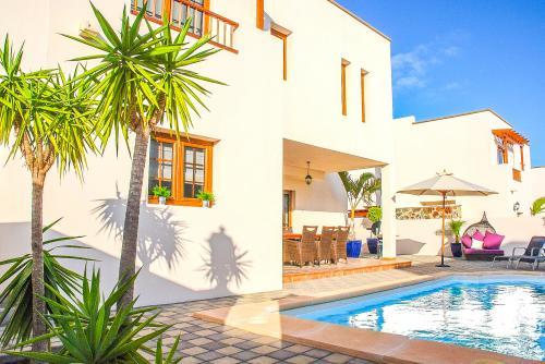 Villa Aguamarina - Costa Teguise, Spain Vacation Rental