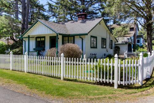 Kimberley Cottage - Neskowin, OR Vacation Rental