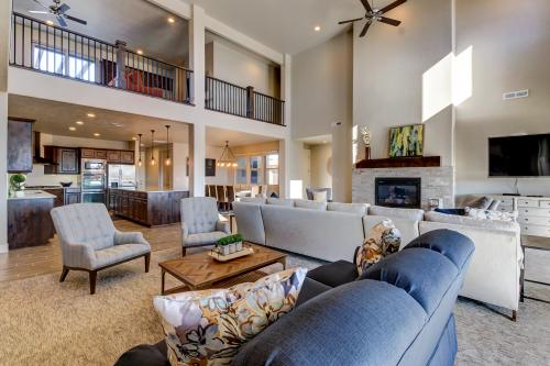 Red Mountain Corporate and Family Retreat #65 -  Vacation Rental - Photo 1