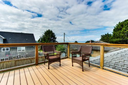 Dari's Beach House - Lincoln City, OR Vacation Rental