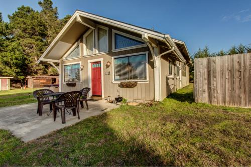 Caspar Daydream  -  Vacation Rental - Photo 1
