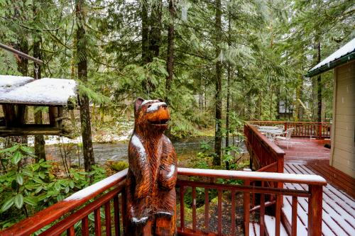 Papa Bear Cabin -  Vacation Rental - Photo 1