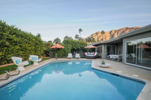 Retro Hip Desert Escape -  Vacation Rental - Photo 1