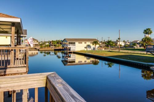 Cottage on the Canal - Jamaica Beach, TX Vacation Rental