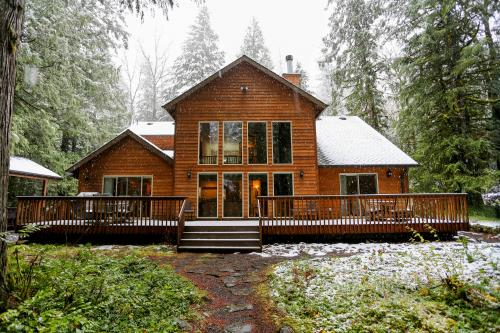 Salmon River Lodge -  Vacation Rental - Photo 1