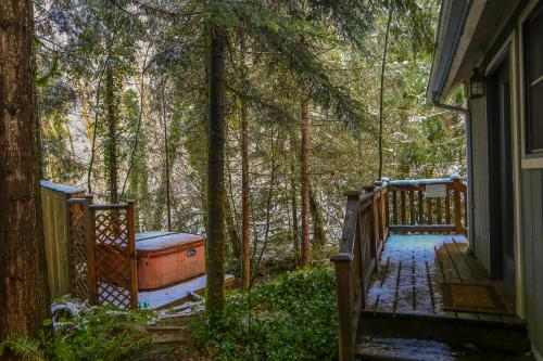 Hackett Creek Hideaway -  Vacation Rental - Photo 1